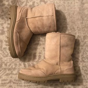 Ugg Ultra Short Tan Boots Like New